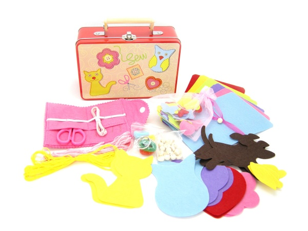 Чемоданчик Швеи Sewing kit suitcase, Linda Toys